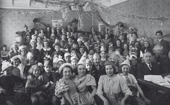 """Alla libreria """"Verso"""": Topografia della memoria 1919-1948. I luoghi della memoria ebraica di Milano."""